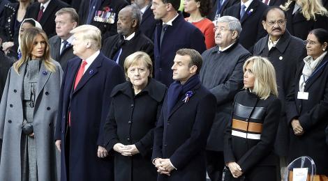 Près de 70 chefs d État célèbrent l'armistice .